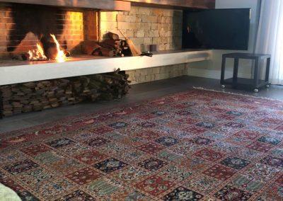 Alfombra Moud Irán lana-seda ya colocada (1)
