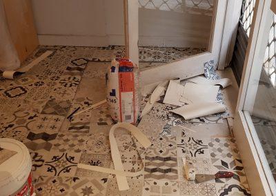 Instalación de alfombra vinílica (10)