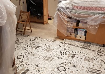 Instalación de alfombra vinílica (11)