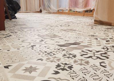 Instalación de alfombra vinílica (14)