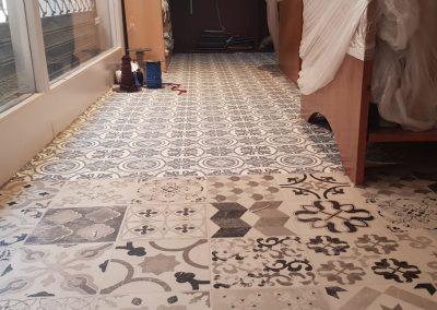 Instalación de alfombra vinílica (16)