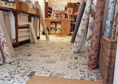 Instalación de alfombra vinílica (18)
