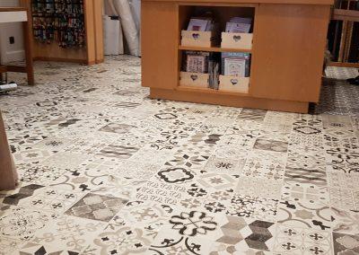 Instalación de alfombra vinílica (19)