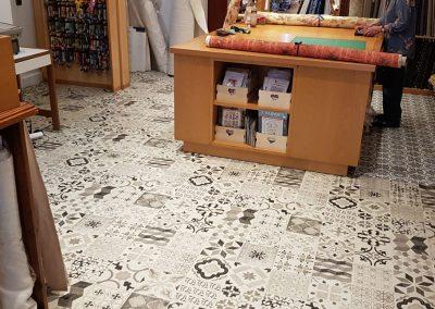 Instalación de alfombra vinílica (20)