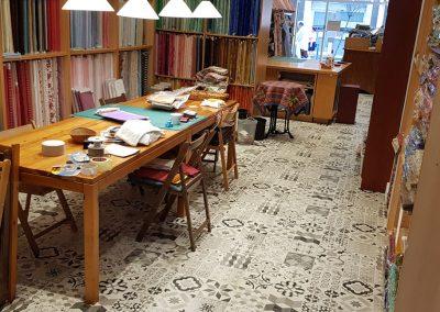 Instalación de alfombra vinílica (26)