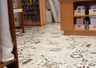 Instalación de alfombra vinílica (29)