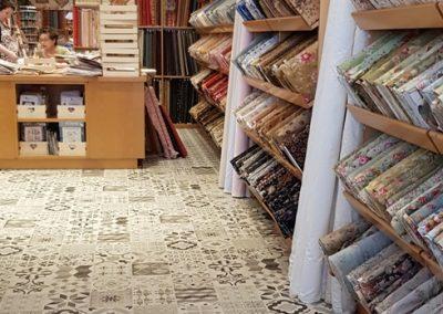 Instalación de alfombra vinílica (30)