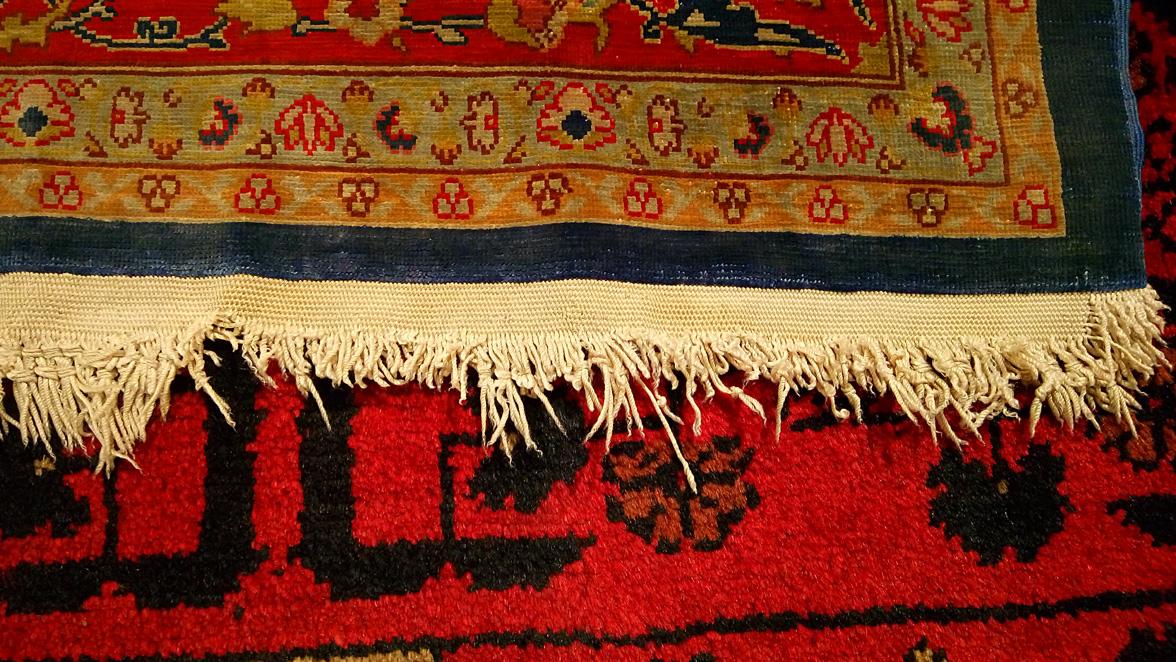 Restauración flecos alfombra Hereke antes