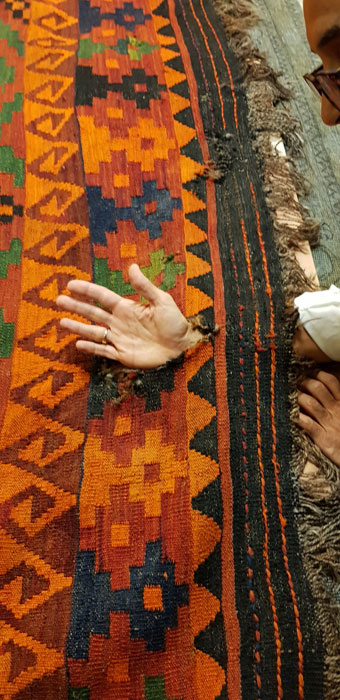 Restauración kilim agujeros
